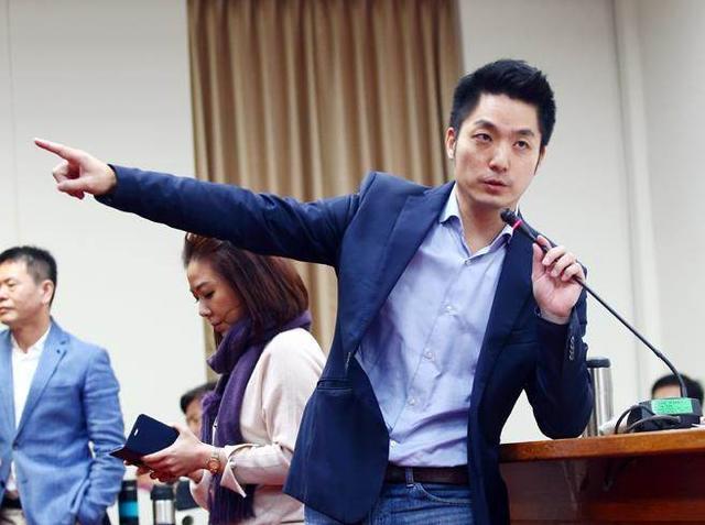 2022台北市长选举民调出炉,蒋万安、陈时中支持度出现逆转【www.smxdc.net】