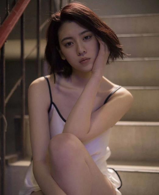"""拥有成熟御姐的长相,还是周董MV女主角,""""犯规""""身材令人窒息插图9"""