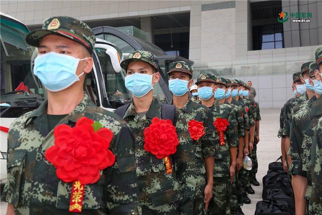 开启军旅生涯新篇章,武警广西总队柳州支队这样欢迎新兵入营-第3张