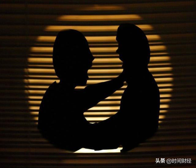 江苏阳光千股千评,75岁江苏富豪暗中操控上市公司4年:隐瞒关联交易5300万 被罚2700万