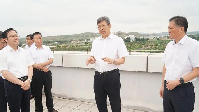 赤峰市委书记孟宪东就产城融合发展等工作调研时强调,坚持规划先行做足融合文章,推动中心城区协调发展(图5)