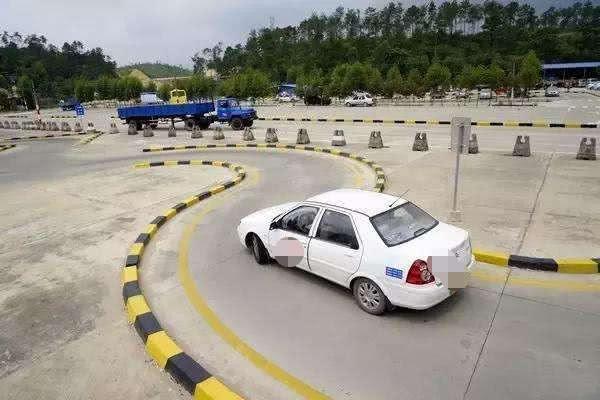 驾考又添新项目,难度直线上升,后悔没有早点考驾照插图(1)