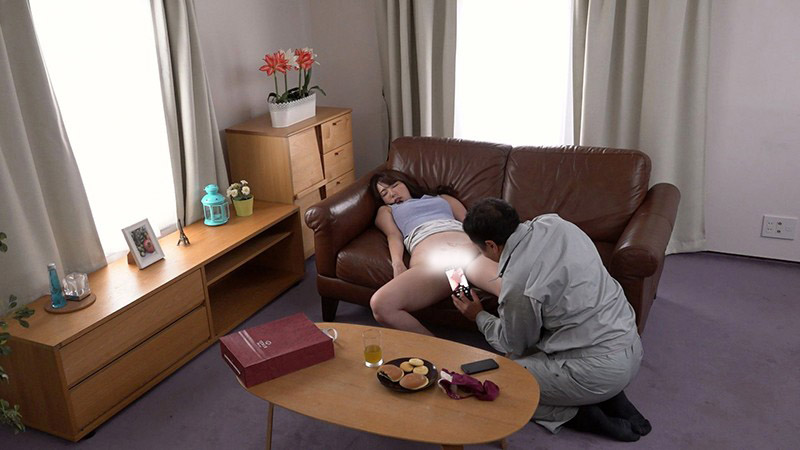 人妻「波多野结衣」被房东下药 老公出差的时候沦陷另一根肉棒