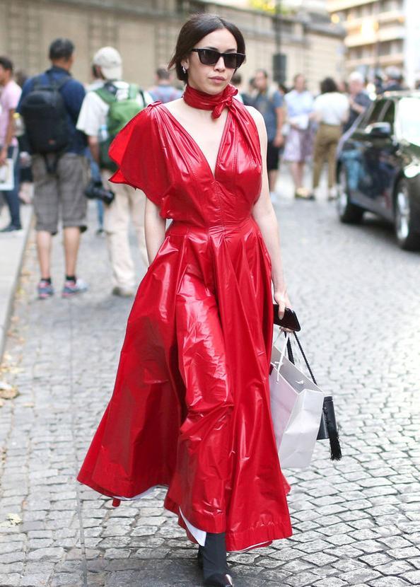"""入秋后""""Choker裙""""火了,学会这样来穿,时髦洋气有气质"""