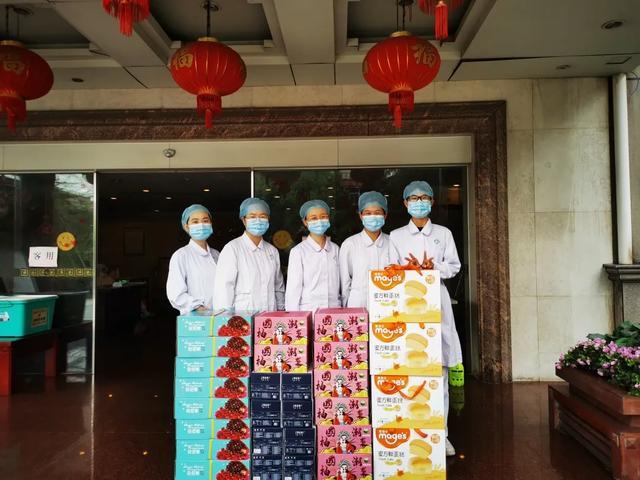 萧山区区领导吴炜炜、陈琴箫一行看望慰问一线抗疫医务人员