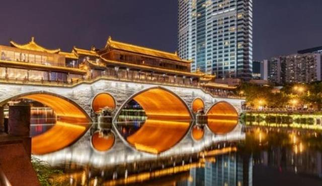 四川成都,中国十大古都之一,有天府之国的称号