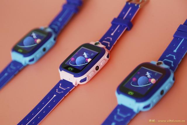 探索蚂蚁蜂儿童电话定位手表 高清画质提升儿童拍照乐趣