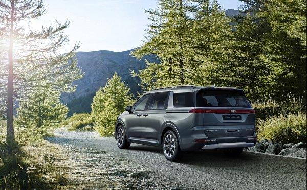 KIA全新4代Carnival首批官方照公布,年轻化且具备更强烈的SUV风格