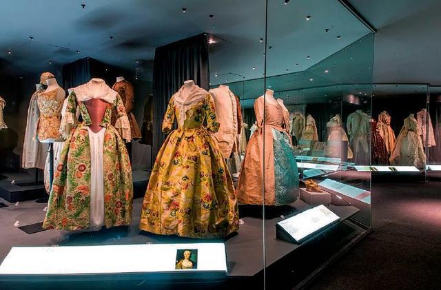 无声叙事,百件服饰中的时尚史