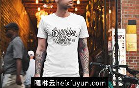 男性T恤贴图展示模版 Male T-Shirt Mockup