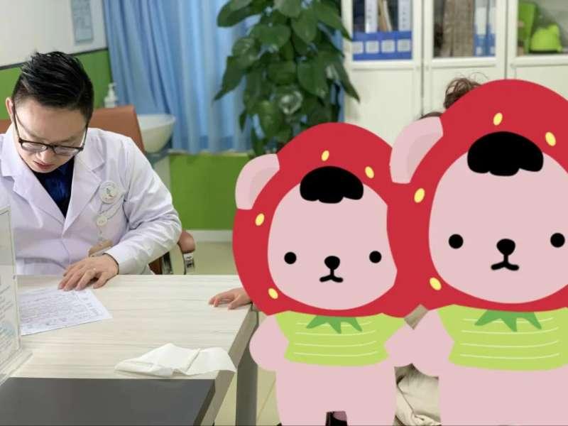 徐磊院长和圆圆妈妈交流训练情况