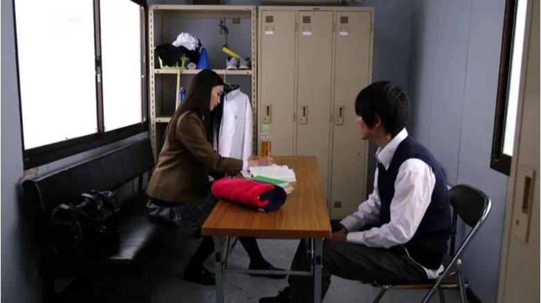 【STARS-187】本庄铃是一个喜欢留备胎的人 雨后故事 第2张