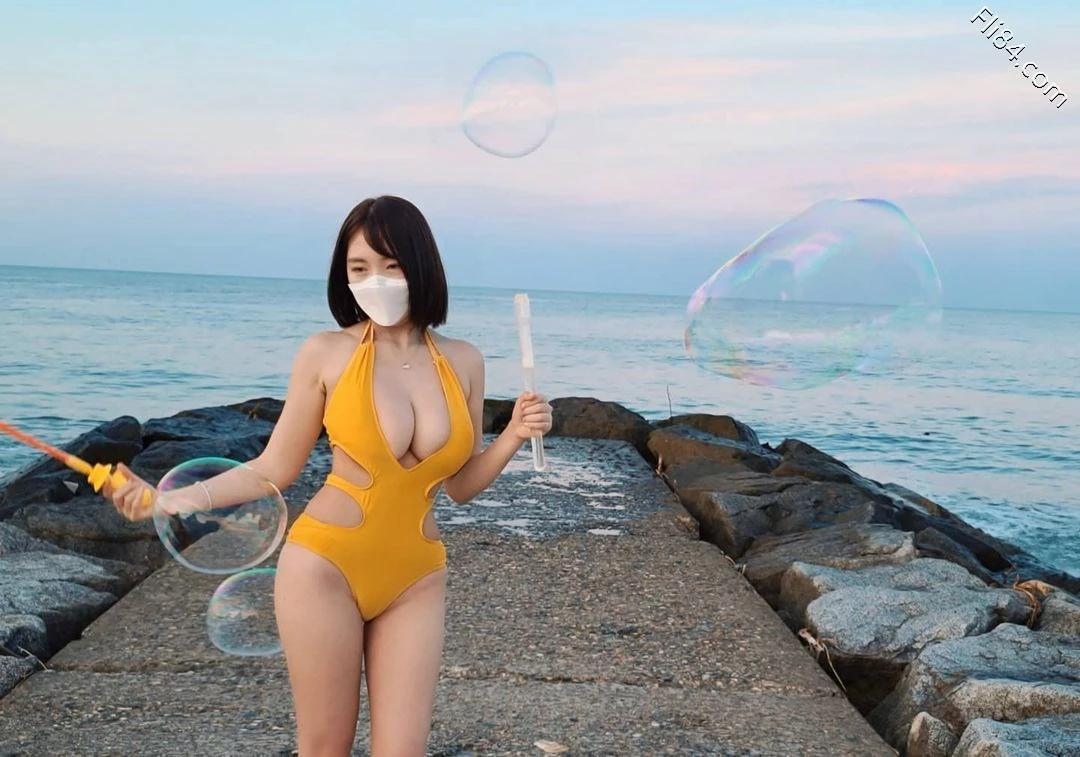 """海边""""极品美女""""Velvet 벨벳丰满事业线画面太凶猛 宅猫猫 热图2"""
