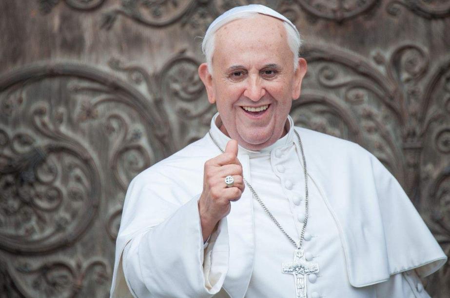 天主教皇ins点赞嫩模被抓包,网友:看来这屁股上帝都喜欢