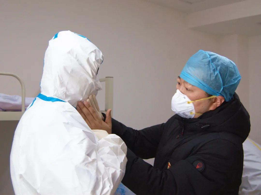 常州市第二人民医院杨乐荣获「抗击新冠肺炎疫情先进个人」称号