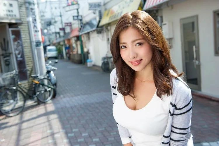 日本女优专题:《揭秘100名女优背后的故事》第16期:佐佐木恋海(向井恋)