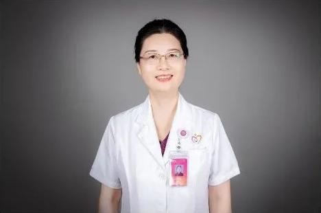 向患者奉送无穷无尽的爱与信念——妇幼儿科的「江阿姨」