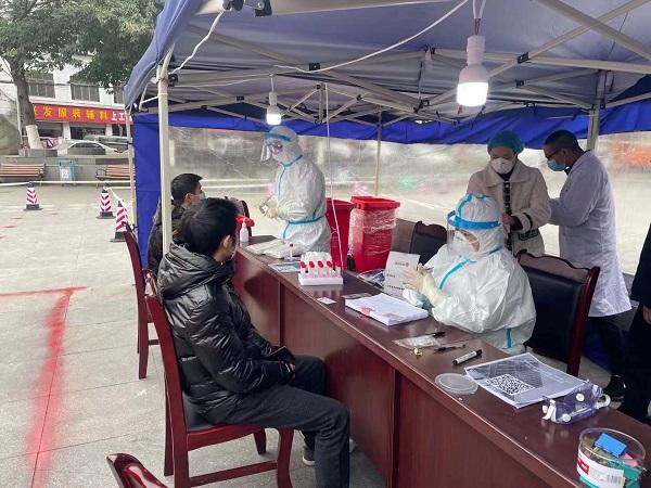 四川省泌尿外科医院医疗应急队火速奔赴郫都区支援疫情防控