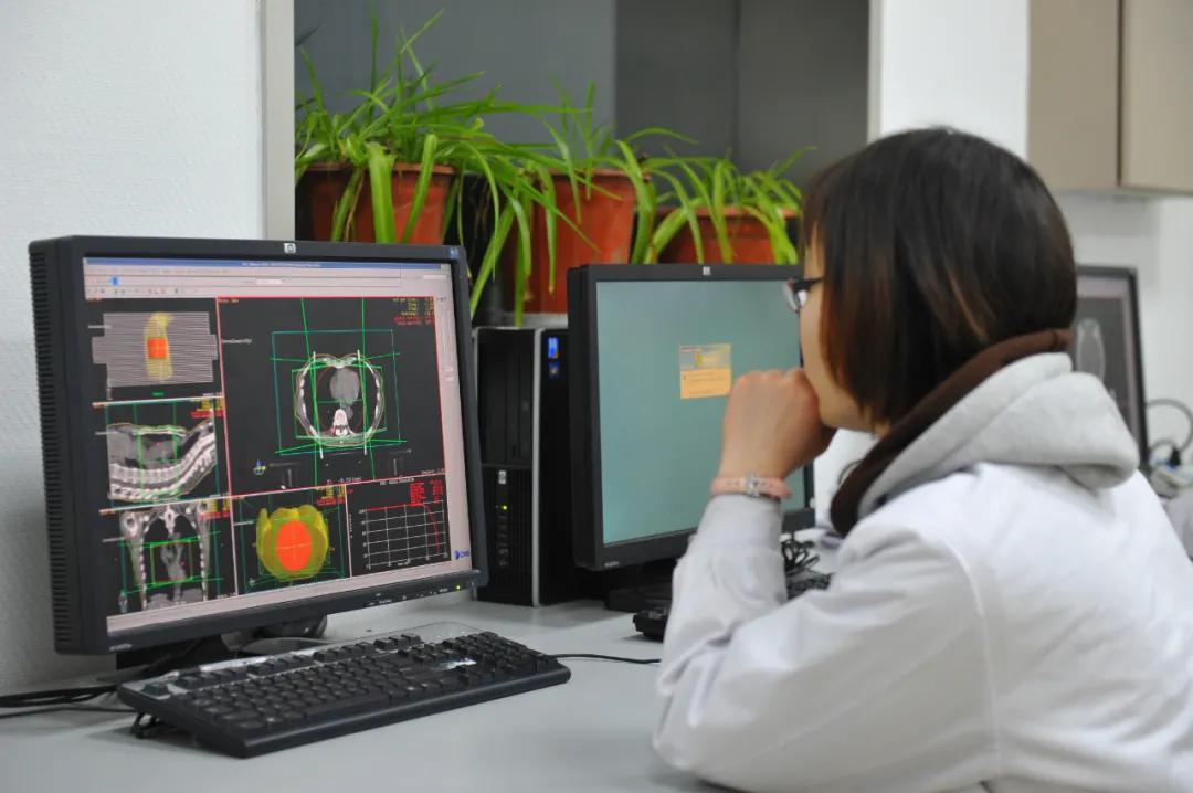 河南省肿瘤医院放疗设备再添两名强将