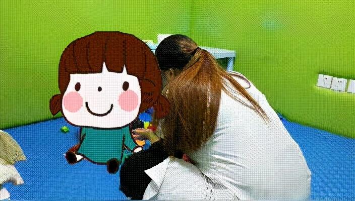训练师教孩子认识水果
