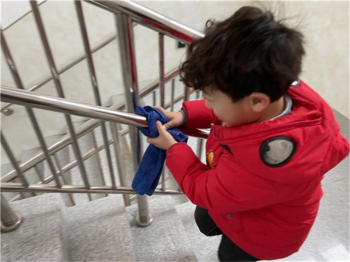 学习雷锋好楷模,践行精神正能量――记海安市城东镇新生幼儿园雷锋月主题教育活动