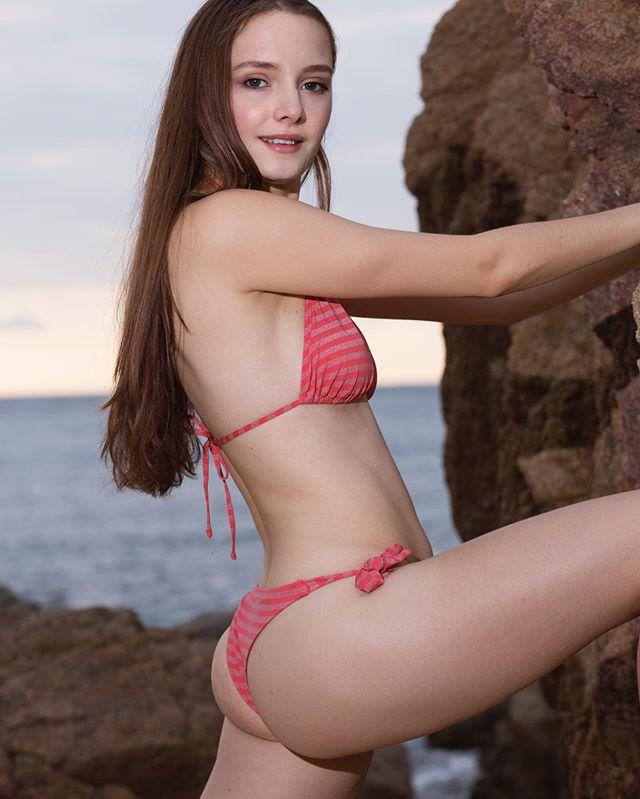 天生高冷范!西班牙19岁嫩模少女Irina Shugova未来之星不是梦!