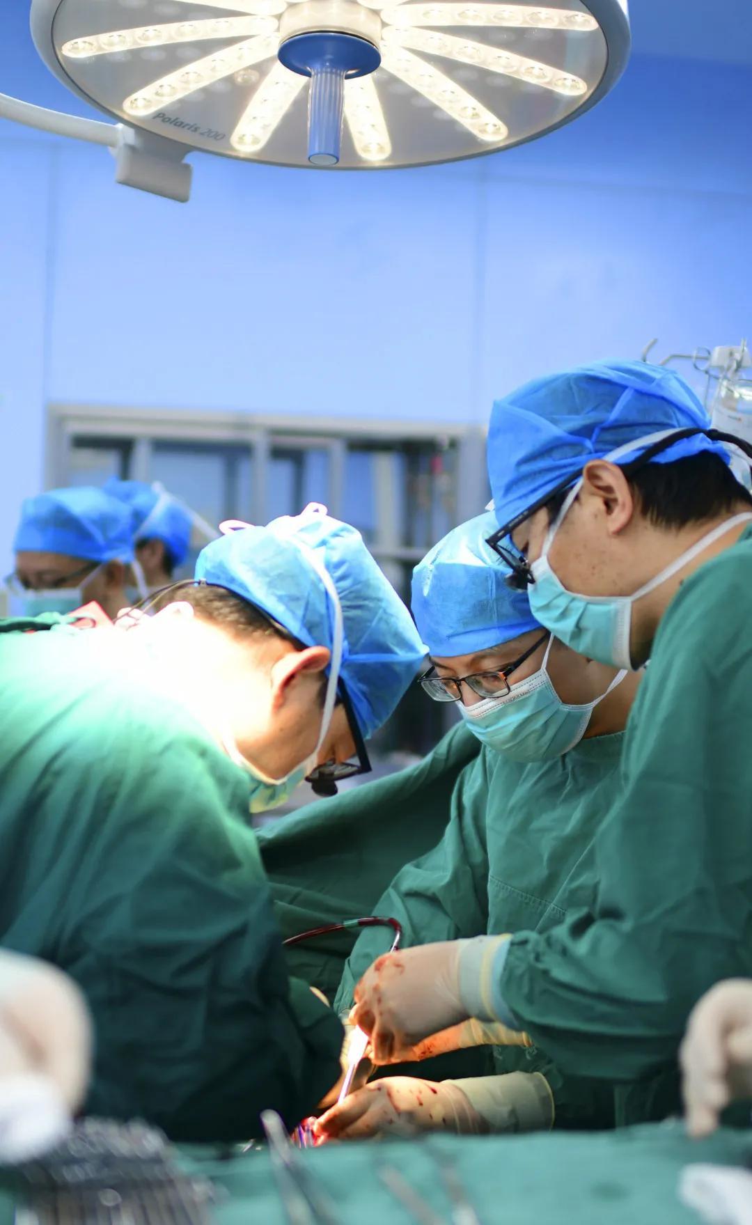 重庆市璧山区人民医院完成全区首例体外循环直视下心脏手术
