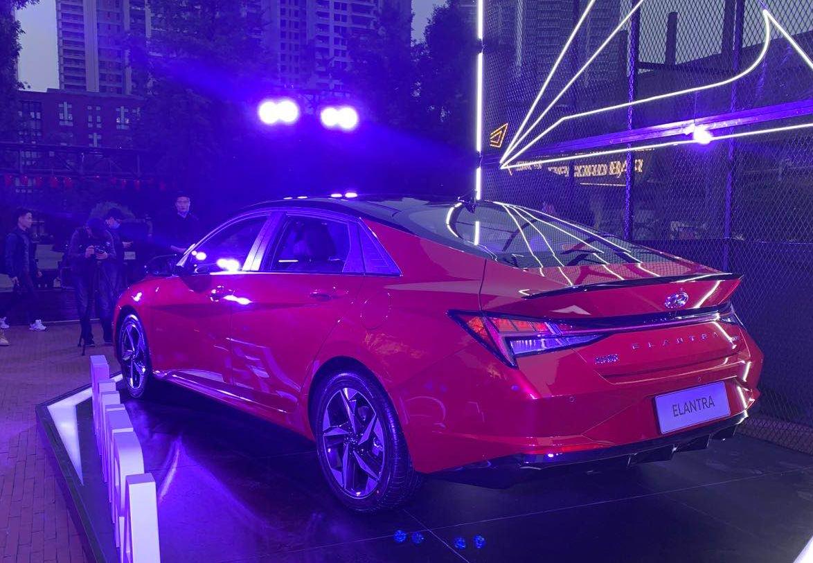 「汽车V报」第七代现代伊兰特正式上市;全新日产逍客渲染图曝光-20201026-VDGER