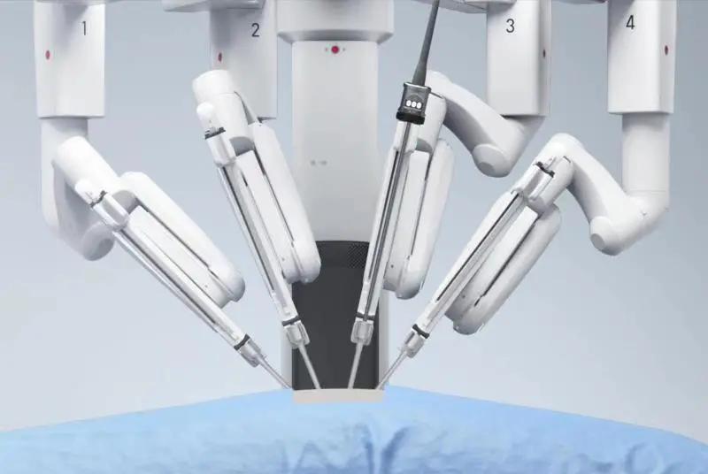 成都京东方医院配置第四代达芬奇手术机器人