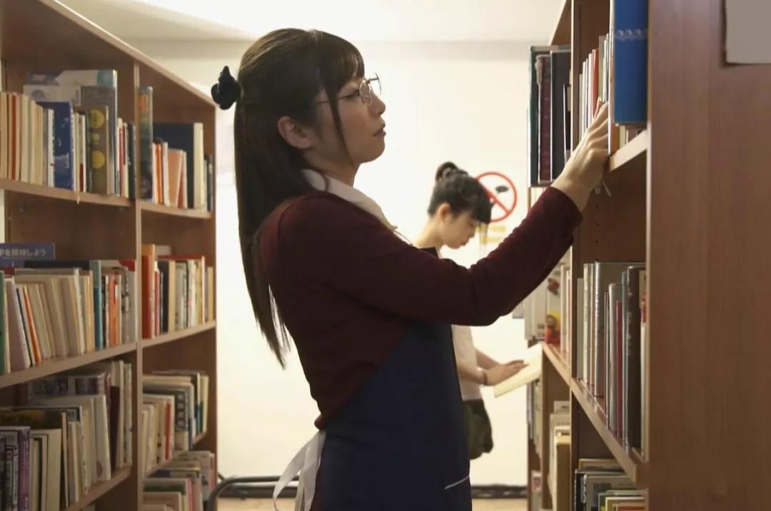 JUY-299:图书馆猎手佐佐木明希